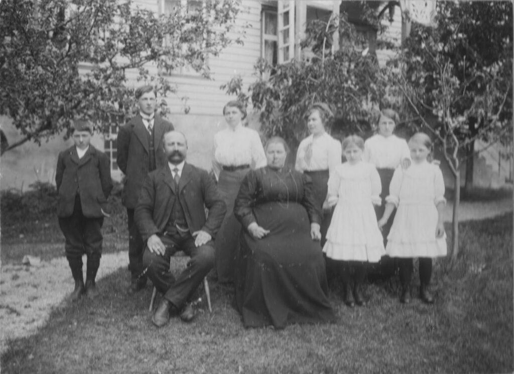 Familien Thor Hjelle